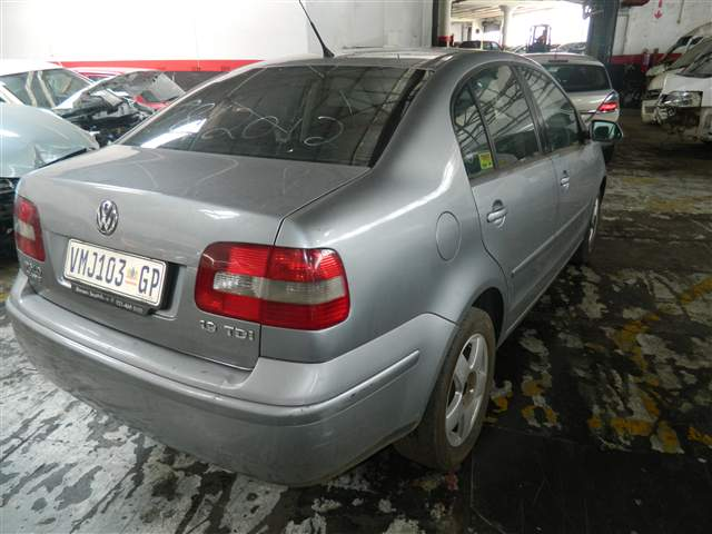 2006 VOLKSWAGEN POLO CLASSIC 1.9 TDI HIGHLINE
