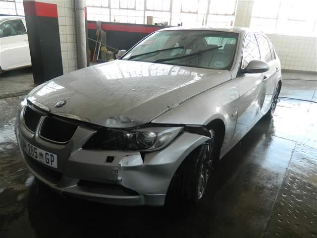 2007 BMW 320i (E90)
