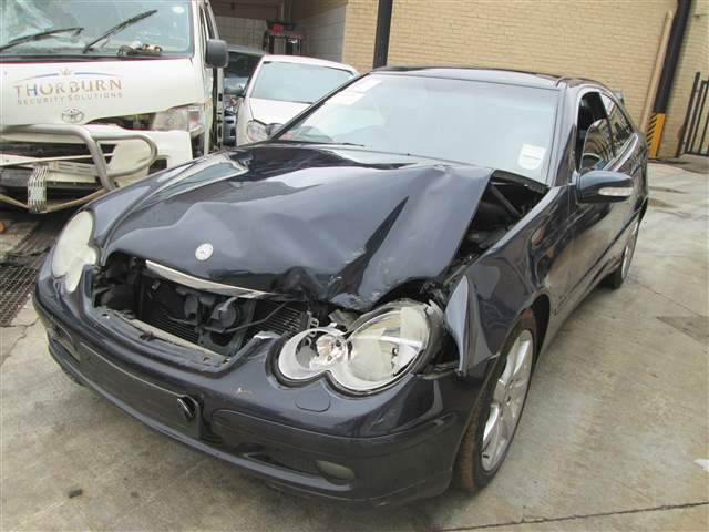 Code 2 2003 mercedes benz c320 coupe in gauteng for Mercedes benz auto wreckers