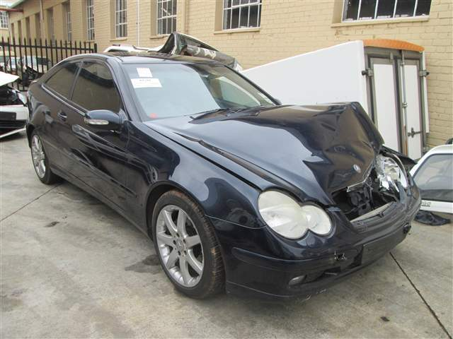 2003 MERCEDES-BENZ C320 COUPE