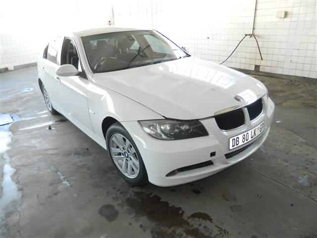 2007 BMW 320i (E46)