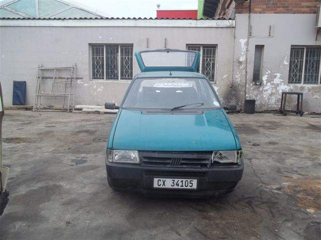 2000 FIAT UNO MIA 1100 5d