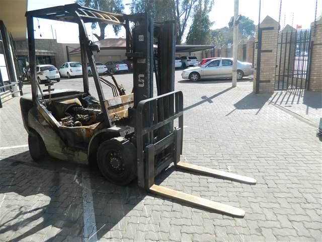 Forklift Salvage Damaged Cars For Sale