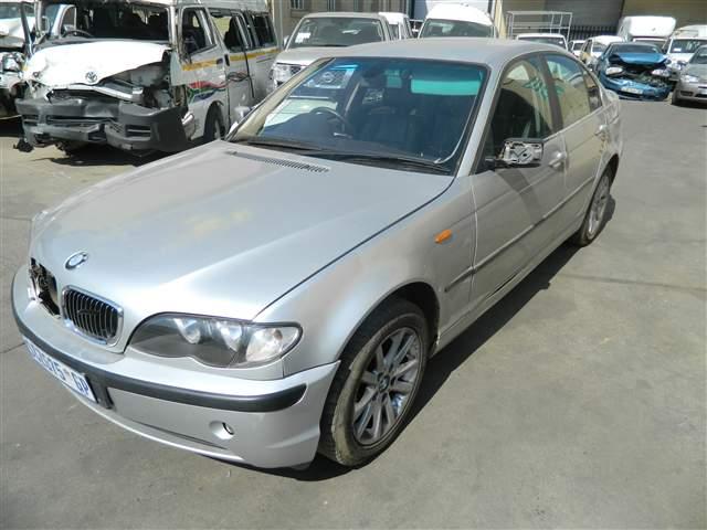 2005 BMW 320i (E46)