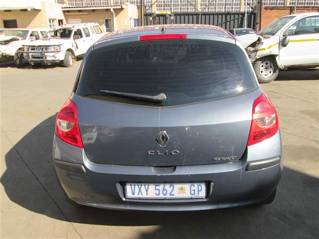 code unknown 2007 renault clio 3 1 6 expression a t in gauteng johannesburg 418794. Black Bedroom Furniture Sets. Home Design Ideas
