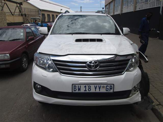 TOYOTA Fortuner salvage cars for sale  South Africa