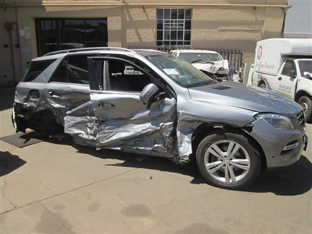 Code 2 2014 mercedes benz ml 350 a t in gauteng for Mercedes benz auto wreckers