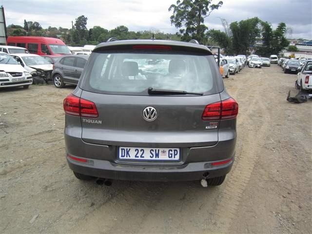 code 2 2014 volkswagen tiguan 1 4 tsi in kwazulu natal pietermaritzburg 418335. Black Bedroom Furniture Sets. Home Design Ideas
