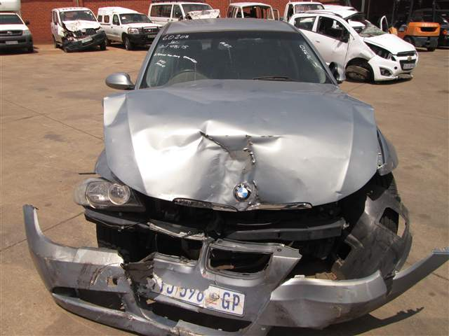 2006 BMW 320i (E90)