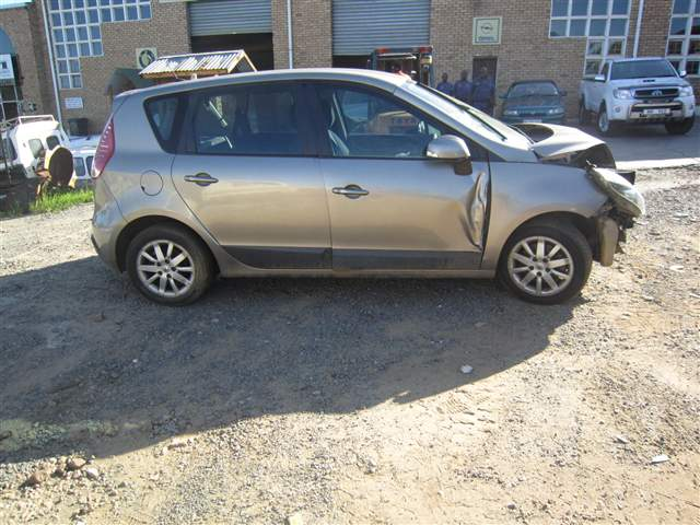 code unknown 2011 renault scenic 1 6 expression in kwazulu. Black Bedroom Furniture Sets. Home Design Ideas