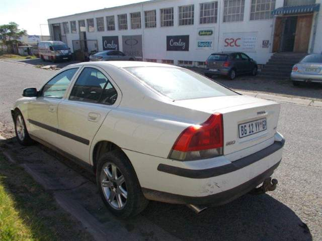 code unknown 2002 volvo s60 2 4 in gauteng johannesburg. Black Bedroom Furniture Sets. Home Design Ideas