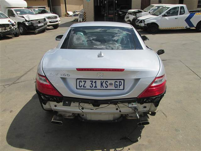 Code 2 2011 mercedes benz slk 200 a t in gauteng for Mercedes benz scrap yard