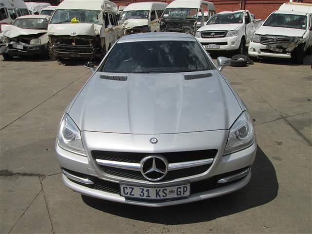2011 MERCEDES-BENZ SLK 200 A/T