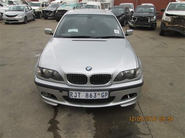 2004 BMW 320i (E46)