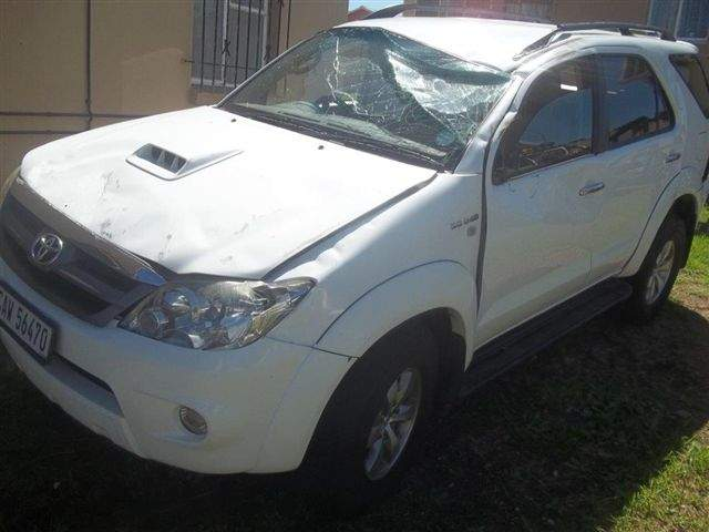 2007 TOYOTA FORTUNER 3.0D-4D RAISED BODY