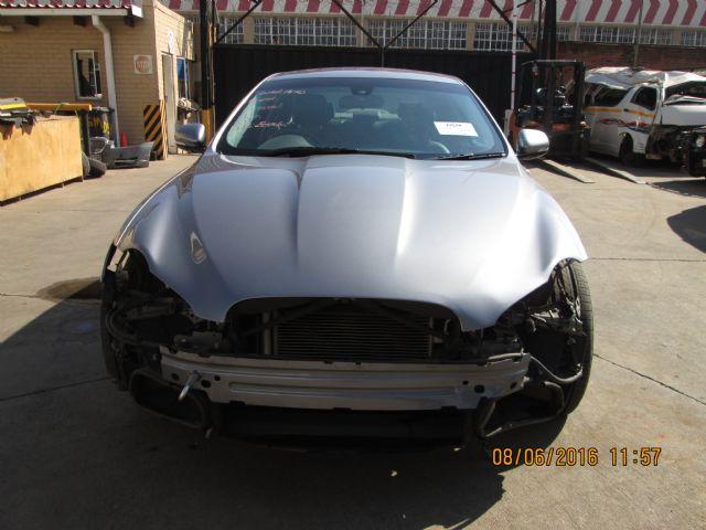 2011 JAGUAR XF 5.0 V8 A/T