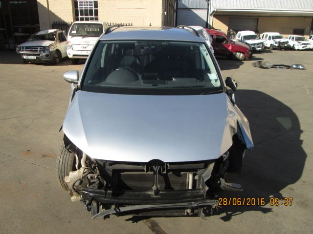 Volkswagen Touran 2 0 Tdi Salvage Damaged Cars For Sale Page