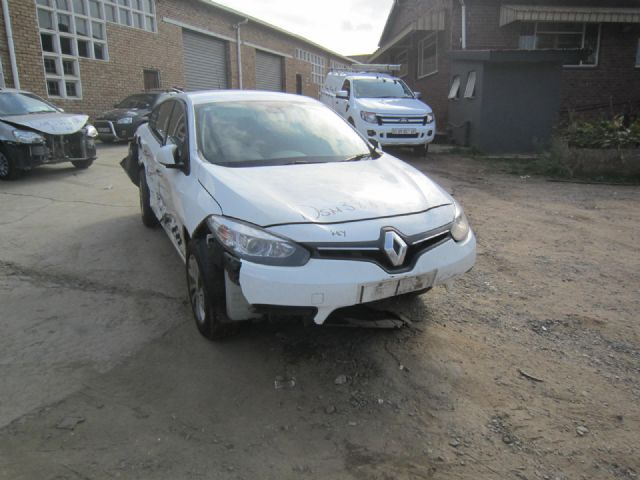 Renault Fluence 1 6 Expression Salvage Damaged Cars For