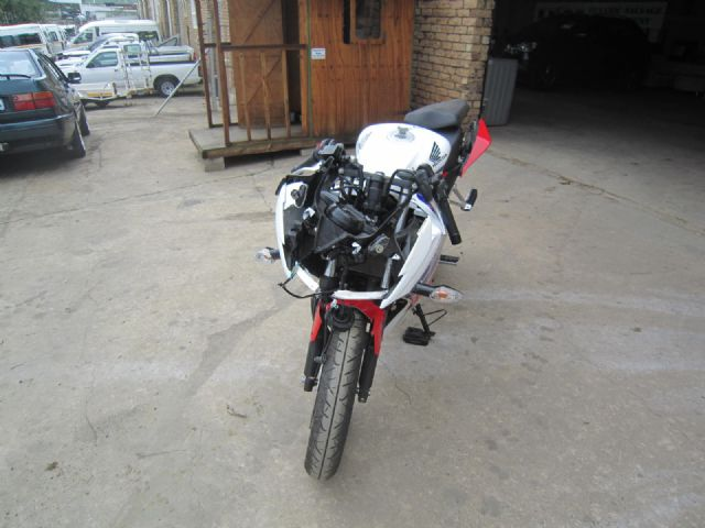 2016 HONDA MOTORCYCLE CBR 300
