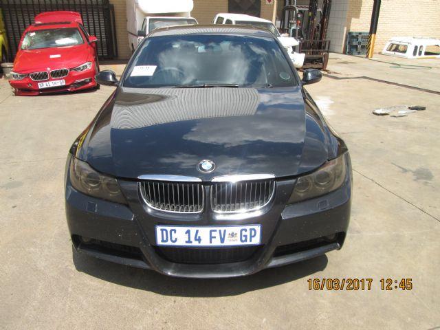 2007 BMW 323i (E90)