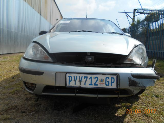 2004 FORD FOCUS 1.6i AMBIENTE 5Dr