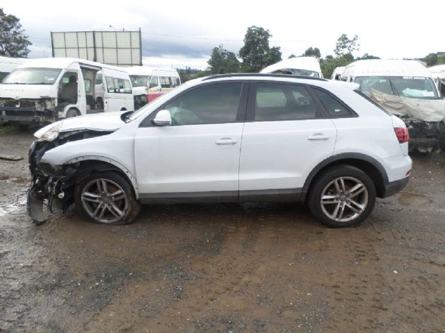 code 2 2012 audi q3 2 0 tdi quattro in kwazulu natal 597260. Black Bedroom Furniture Sets. Home Design Ideas