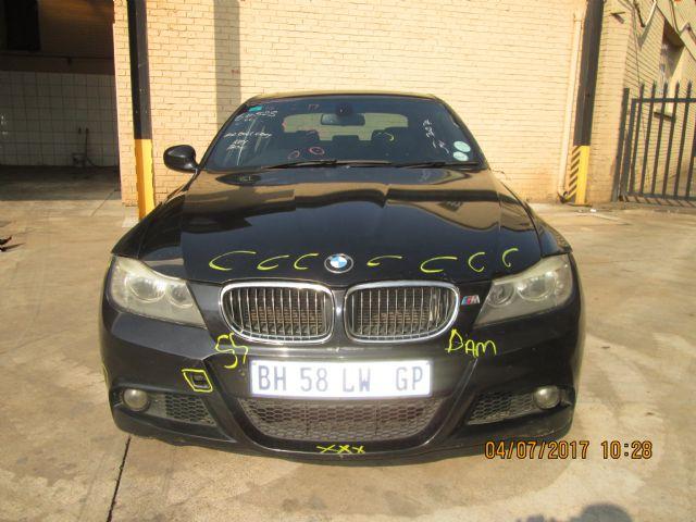 2011 BMW 323i (E90)