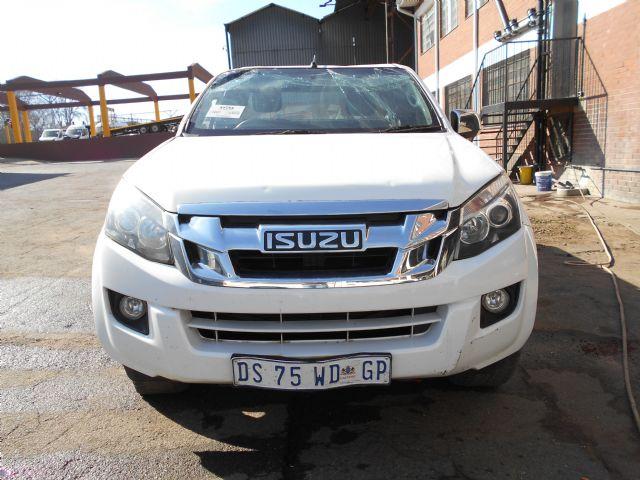 2015 ISUZU KB 300 D-TEQ LX E/CAB