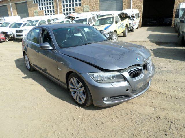 2010 BMW 323i (E90)