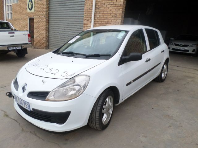 2006 RENAULT CLIO 1.4 RT