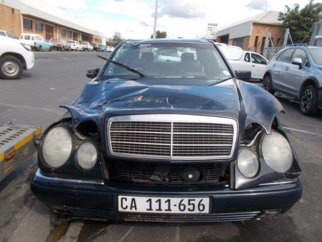 1996 MERCEDES-BENZ E280 V6 ELEGANCE A/T
