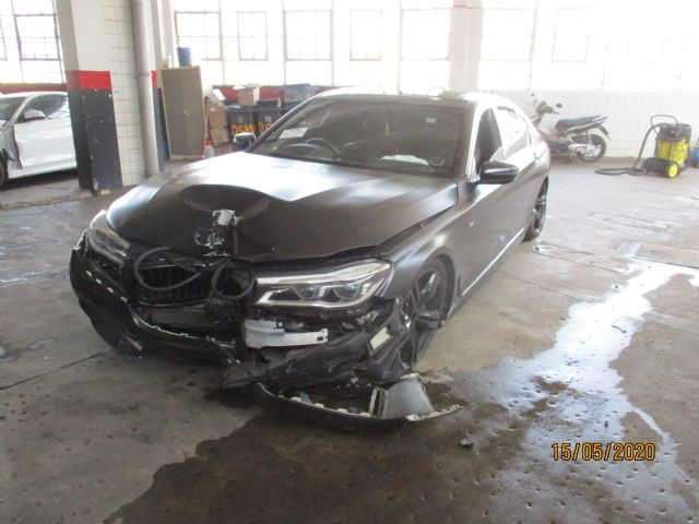2016 BMW 750i G11