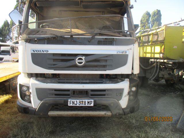 2011 VOLVO TRUCK FMX 330