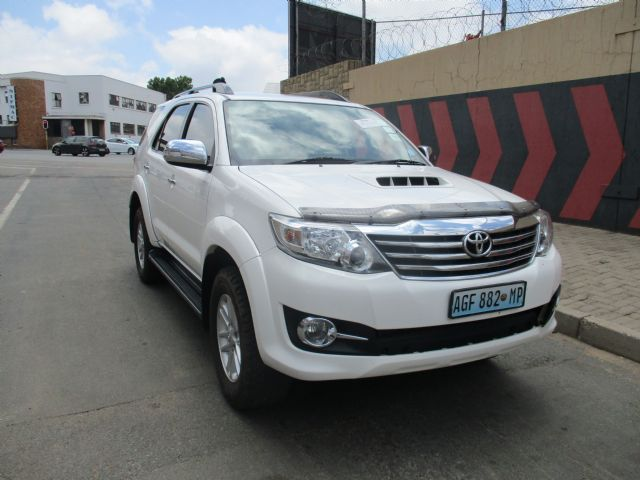 2015 TOYOTA FORTUNER 3.0D-4D RAISED BODY