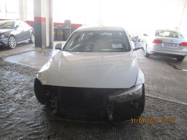 2012 BMW 320 I F30 MAN