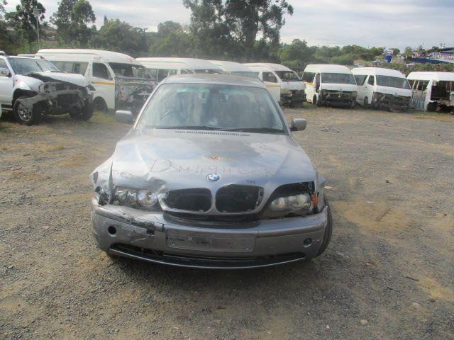 2005 BMW 320i (E90)